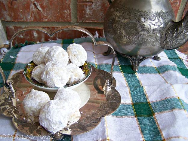 Russian Tea Cakes 040